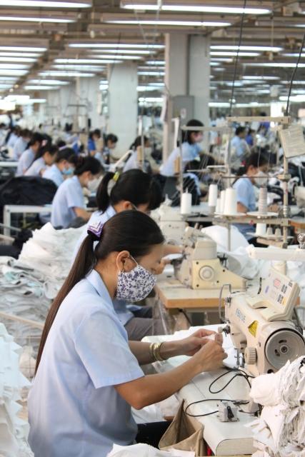 外国人労働者を雇う募集する採用するときに発生する母国語の契約書や誓約書・就業規則フォーマット